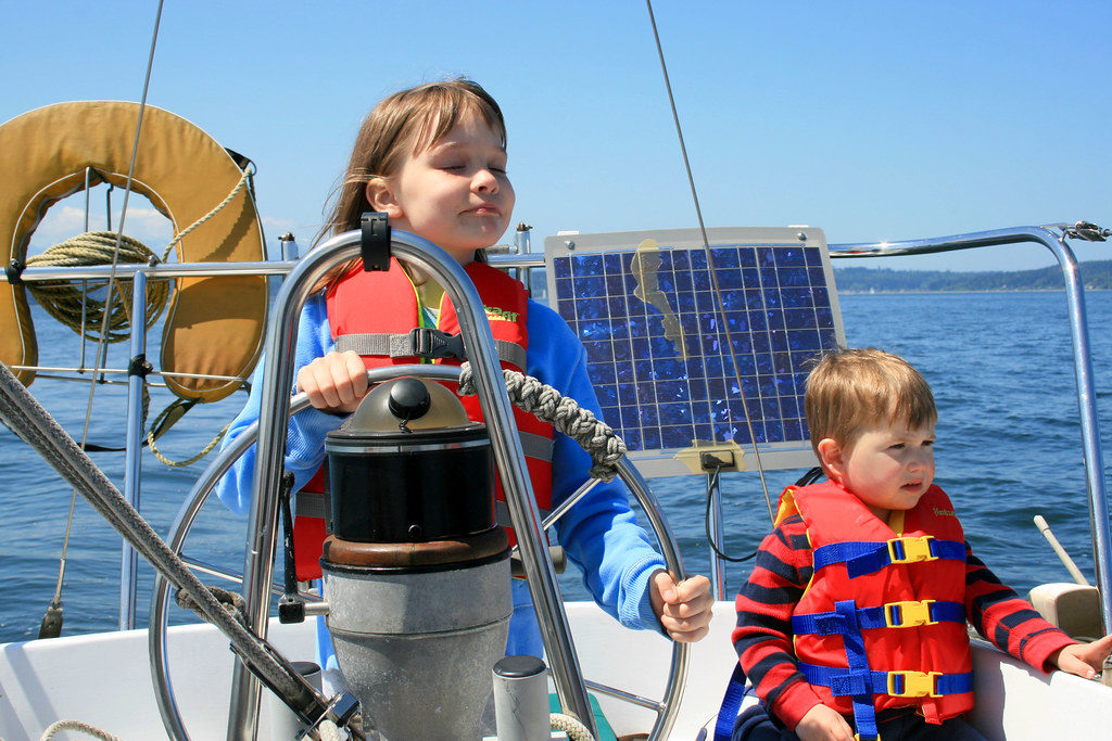 Sailing with kids the right way